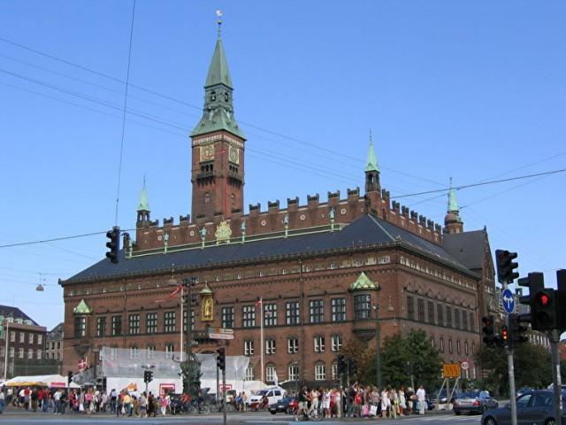 Едем в Копенгаген  - посещаем Городскую ратушу.