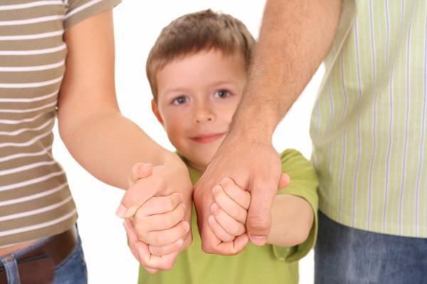 Как за границей происходит процесс усыновления и удочерения